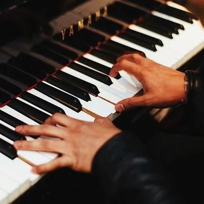 pianist-1149172__480 (1)